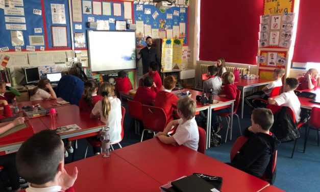 Gavinburn Primary – Pupils ready to Blog